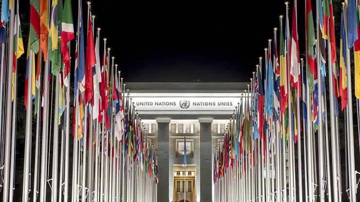 Der Bundesrat erläutert seine Haltung zum Uno-Migrationspakt. Dieser würde aus seiner Sicht die Zusammenarbeit zwischen den Staaten erleichtern. (Symbolbild)