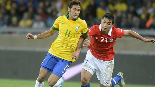 Neymar gegen Lorenzo Reyes