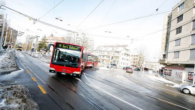 Die neuen Busse sollen dank einer neuen Batterie künftig kurze Teilstrecken ohne Fahrleitungen absolvieren können.