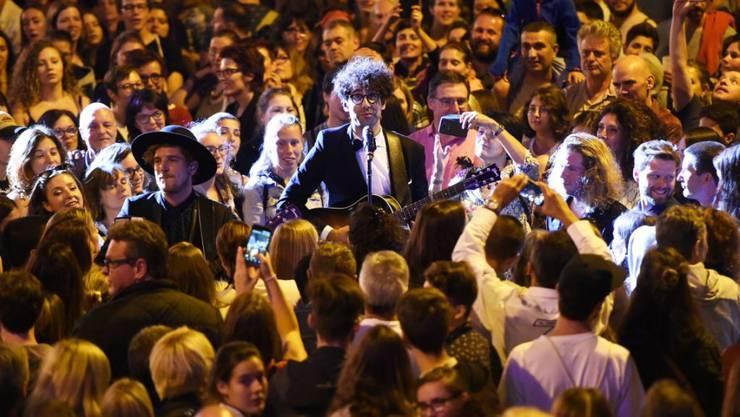 60 Gruppen - hier die Bieler Popband Pegasus - spielten während dreier Tage auf zehn Bühnen.