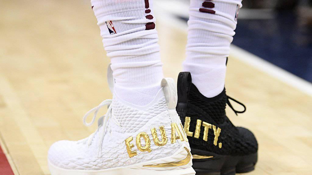 Mit diesen Schuhen trat LeBron James in der ersten Halbzeit beim Gastspiel in Washington auf