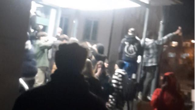 Alkoholisierte Fasnächtler bewerfen Polizei «mit Flaschen und Böllern»