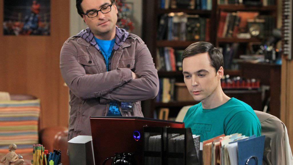 """Sheldon Cooper aus """"The Big Bang Theory"""" (rechts, gespielt von Jim Parsons) hatte eine komplizierte Kindheit - in einer Spin-Off-Serie wird sie verfilmt. (Archivbild)"""