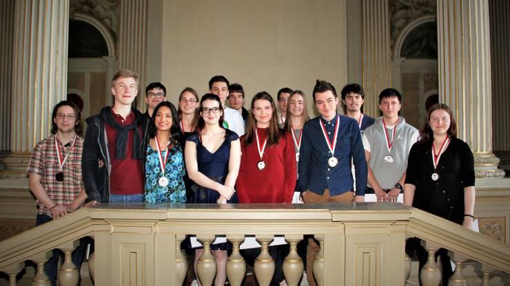 Die Finalistinnen und Finalisten der diesjährigen Schweizer Chemie-Olympiade.