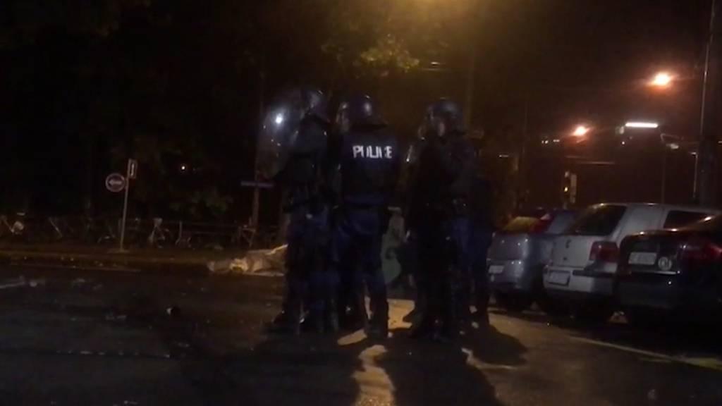 10 Polizisten bei Krawallen vor Reitschule verletzt