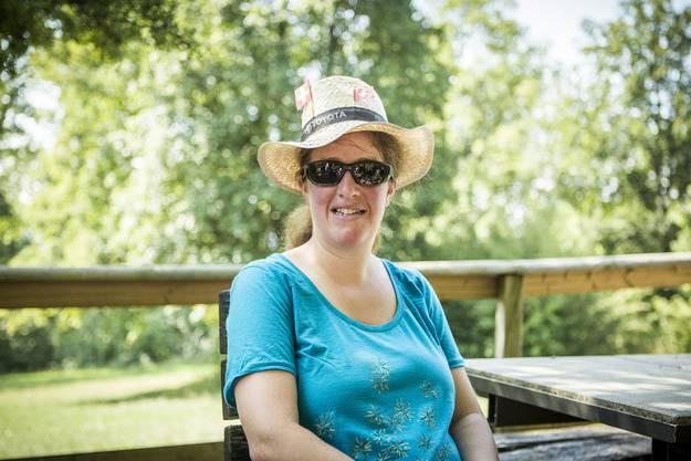 Kathrin aus dem Aargau schmückte ihren Hut gestern dem 1. August entsprechend mit kleinen Schweizer Fahnen. «Trotz der Hitze wollte ich mir die Wanderung in der mir unbekannten Gegend nicht entgehen lassen.»