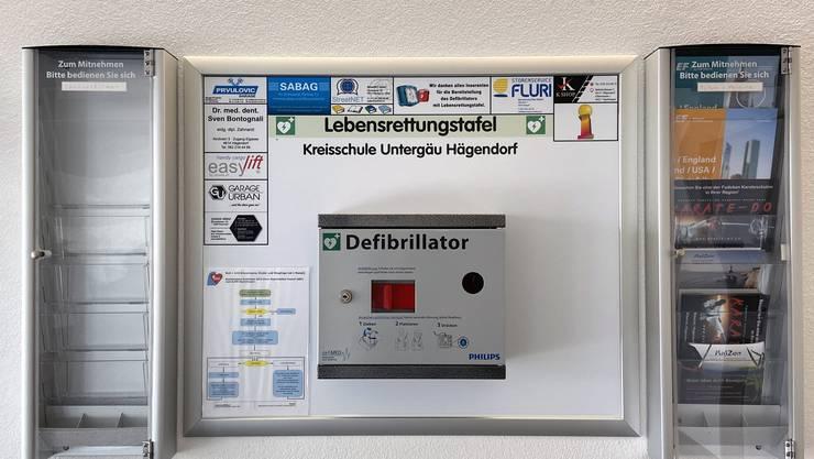 Sponsoren ermöglichen der Kreisschule Untergäu einen Defibrillator