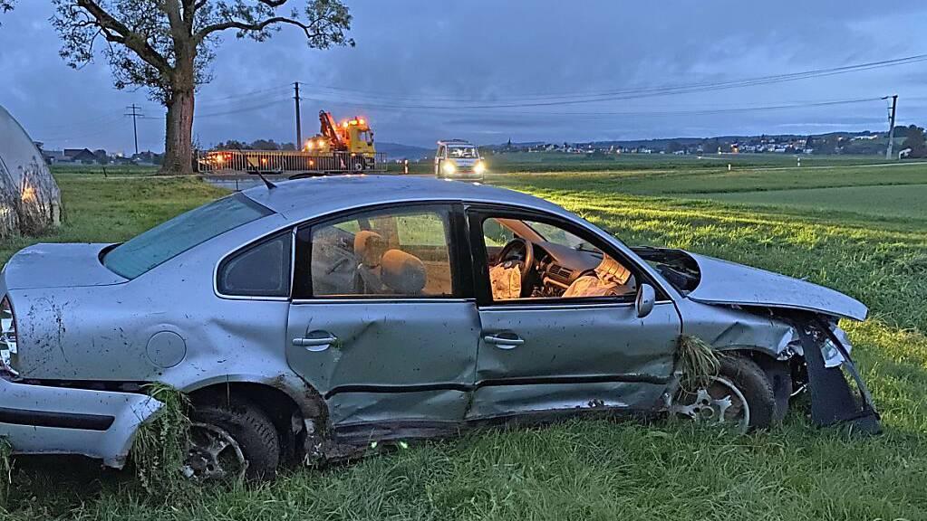 Zwei Personen wurden bei einem Selbstunfall in Bonau TG mittelschwer verletzt.
