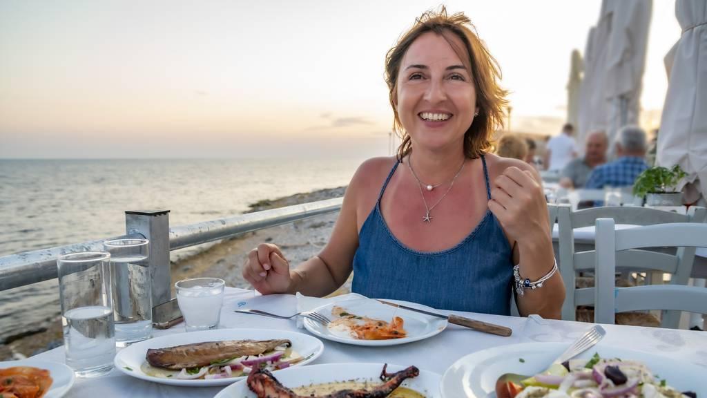 Will man richtig gesund essen, sollte man sich an der griechischen Küche orientieren.