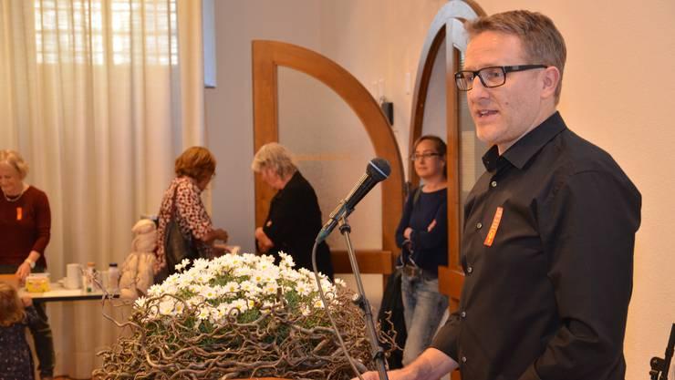 Der Wohler Gemeindeammann und SP-Nationalratskandidat Arsène Perroud spricht zu den Genossen und Genossinen in Bremgarten.