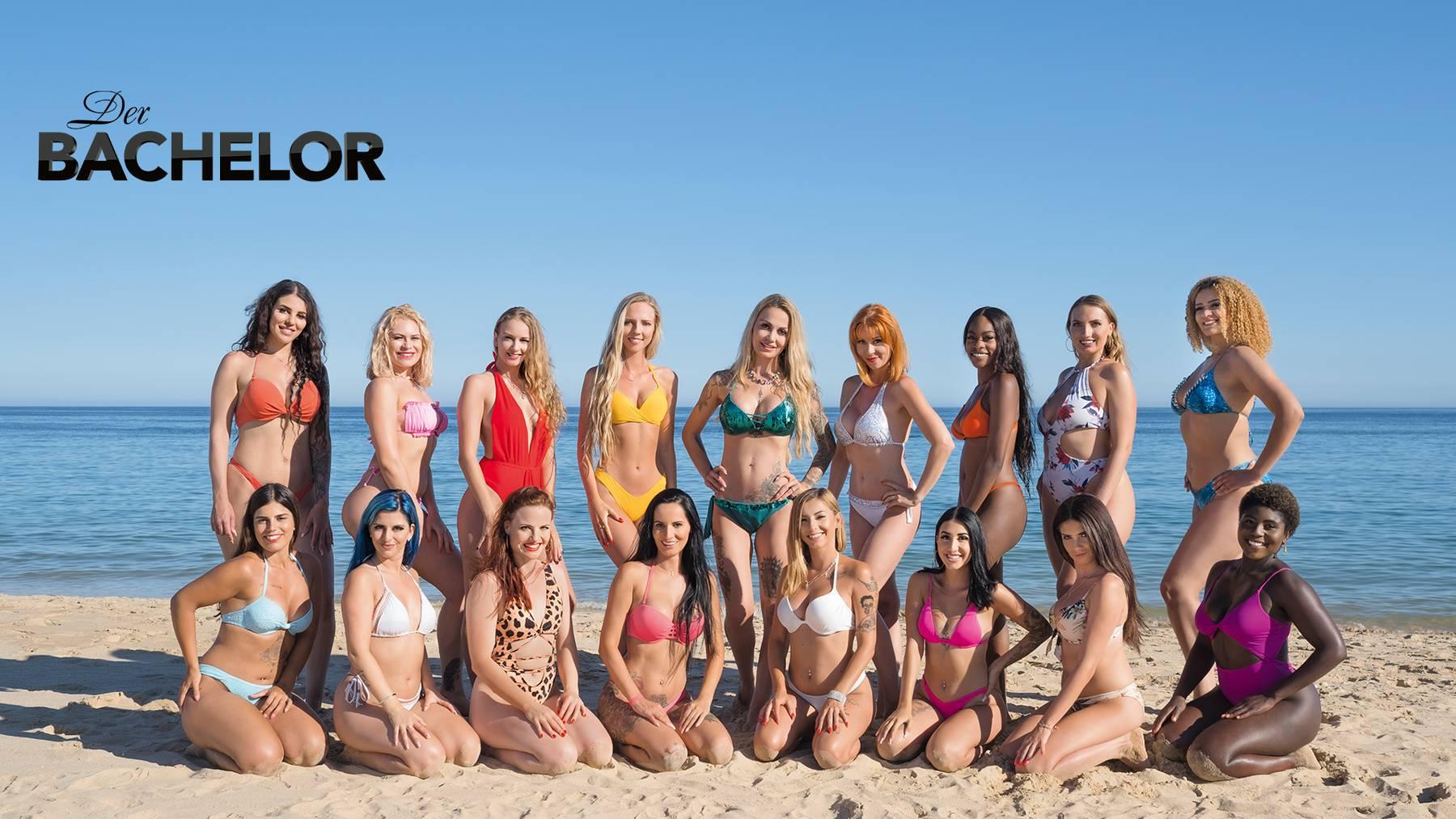 BA9_F00_GR_Beach_Girls_TN
