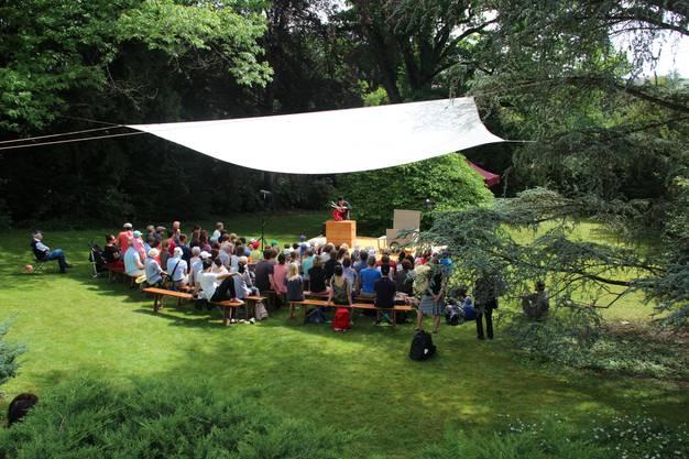 Was für eine Theaterbühne in Mitten des Parks