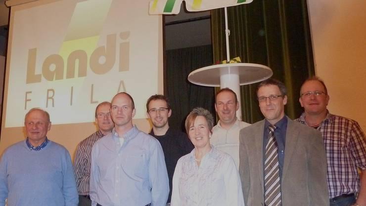 Der Landi-Vorstand wieder gewählt: August Schmid, Felix Wendelspiess, Wendelin Stäuble, Martin Jeck, Hildegard Fischler, Gregor Rehmann, Martin Schmutz, Simon Plattner (von links). GHI