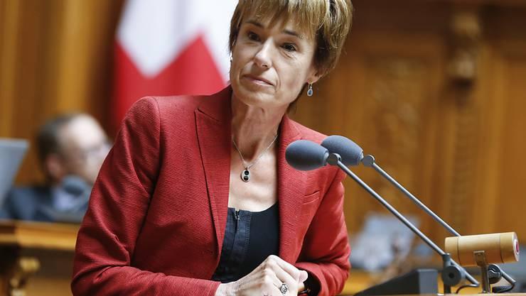 Ruth Humbel von der CVP warnte vor dem Absturz der ganzen Rentenreform. Der Nationalrat blieb aber dabei, dass das Rentenalter automatisch auf 67 Jahre steigen soll, wenn die AHV in finanzielle Schieflage gerät.