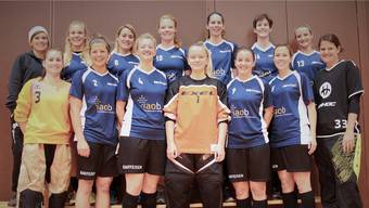 Die Frauen des UHC Oekingen holen den dritten Kleinfeld-Meistertitel in Folge.