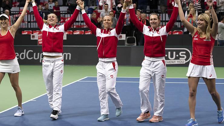 Anhänger des aktuellen Formats: das Schweizer Fed-Cup-Team nach dem Sieg gegen Italien am Wochenende in Biel