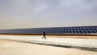 Solarstrom im Flüchtlingslager: In Jordanien wurde am Montag die grösste Anlage für Solarstrom eingeweiht.