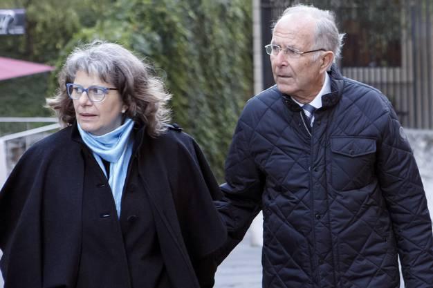 Prozessbeginn im Fall Adeline in Genf: Die Eltern der Getöteten treffen vor dem Gericht ein.