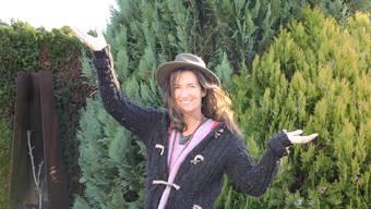 «Ich bin überzeugt, dass man mit der Achtsamkeit die Welt verändern kann»: Erica Fankhauser sprüht in ihrem Garten in Zetzwil vor Lebenslust. Kim Wyttenbach