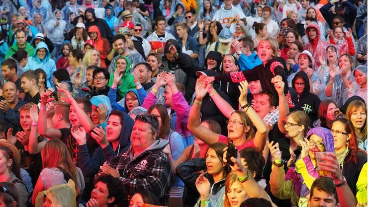 Die Stimmung am FeelGood-Festival war ausgelassen und sommerlich - trotz Regengüssen.