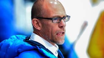 Hans Kossmann musste die erste Niederlage als Ambri-Trainer hinnehmen