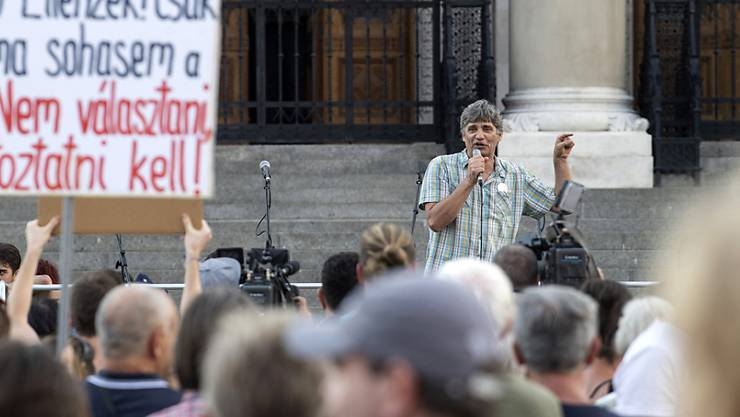 In der ungarischen Hauptstadt Budapest sind am Samstag zahlreiche Personen auf die Strasse gegangen, um gegen die Bildungspolitik des Landes zu protestieren.