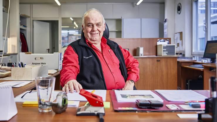 Martin Sollberger übergibt seine Garage nach 41 Jahren der Stiftung Orte zum Leben.