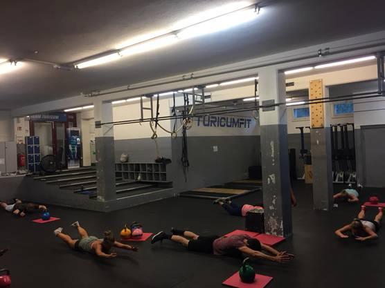 Im TuricumFit wird jeweils morgens um 6 Uhr trainiert.