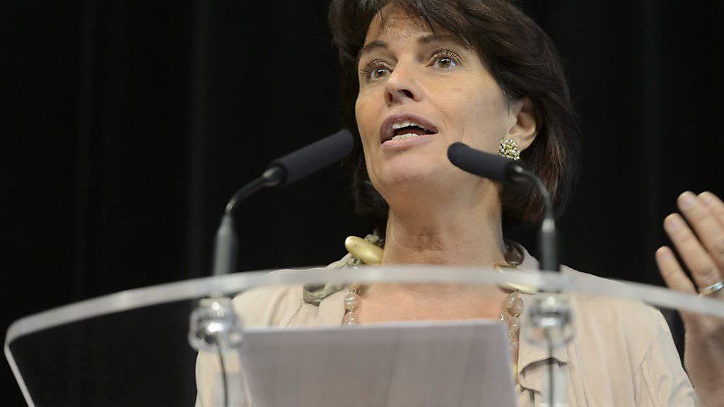 Bekenntnis zur Option Schutzklausel zur Steuerung der Zuwanderung von der CVP-Bundesrätin. Doris Leuthard während ihrer Rede am CVP-Sommerparteitag in Chable VS (Archiv).