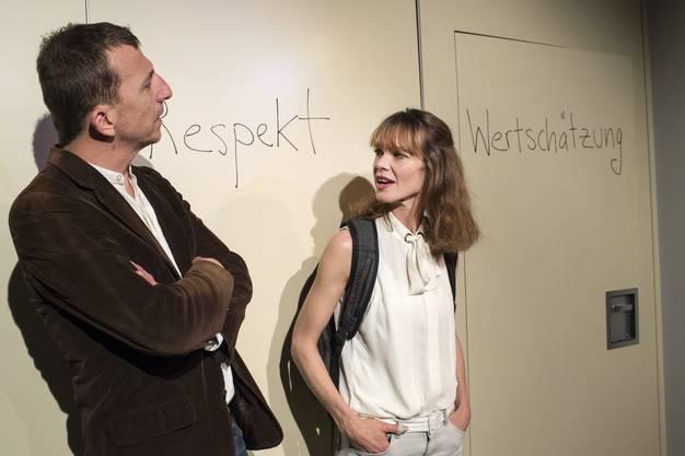 """Das neuetheater Dornach zeigt """"Die Gottesanbeterin"""" von Anna Pabst."""