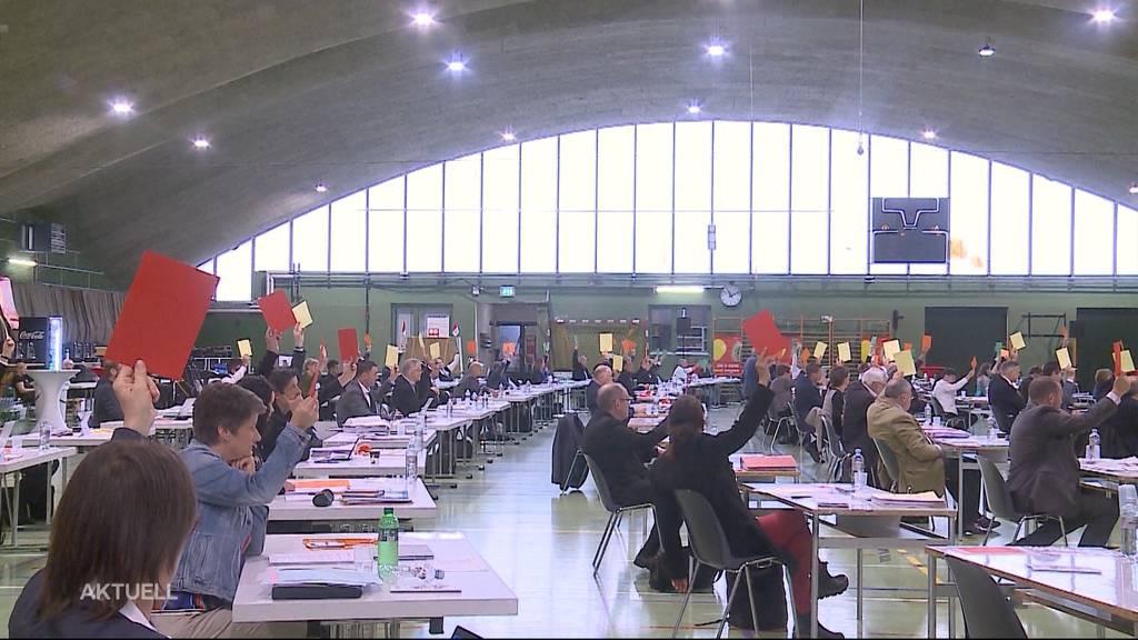 Solothurner Kantonsrat tagt in Sporthalle