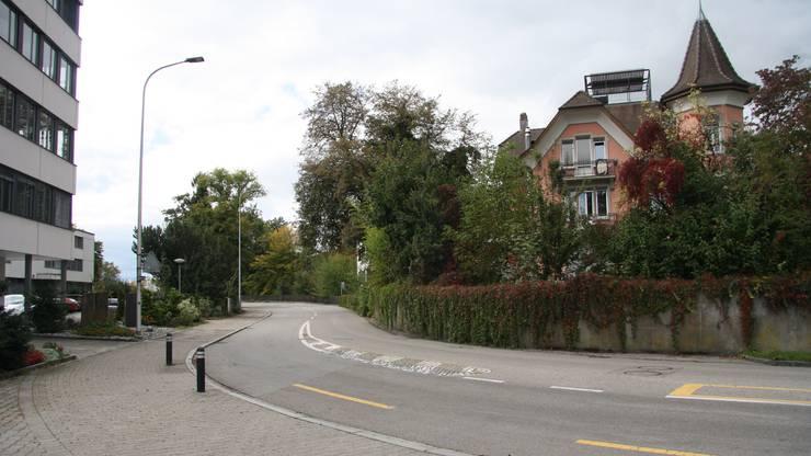 An der Muttenstrasse solls mit einem Flüsterbelag getan sein.