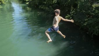 Das Schwimmen in der Limmat ist nicht nur abkühlend, sondern manchmal auch gefährlich.