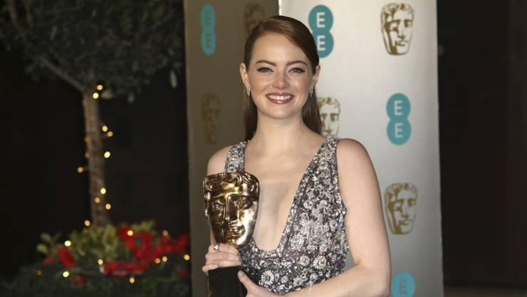 """Als beste Hauptdarstellerin ausgezeichnet: Emma Stone. Sie gewann einen der fünf Preise für die Musical-Romanze """"La La Land"""" bei den britischen Filmpreisen, den Baftas."""