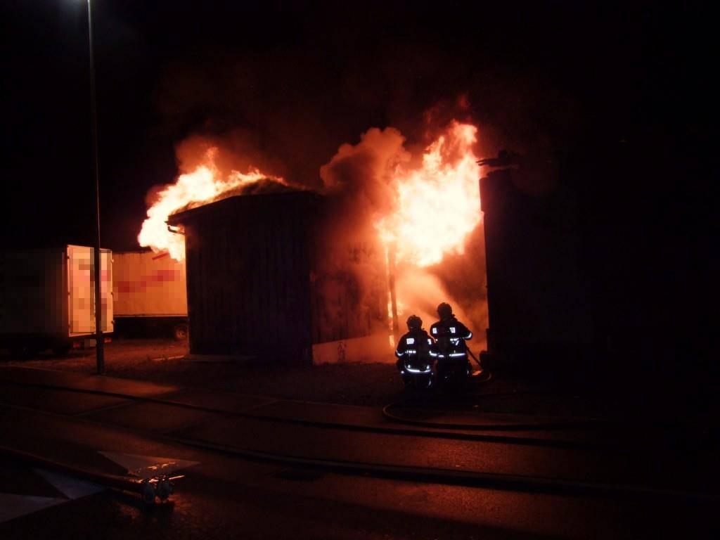 In der Nacht auf Freitag brannte es in diesem Gebäude