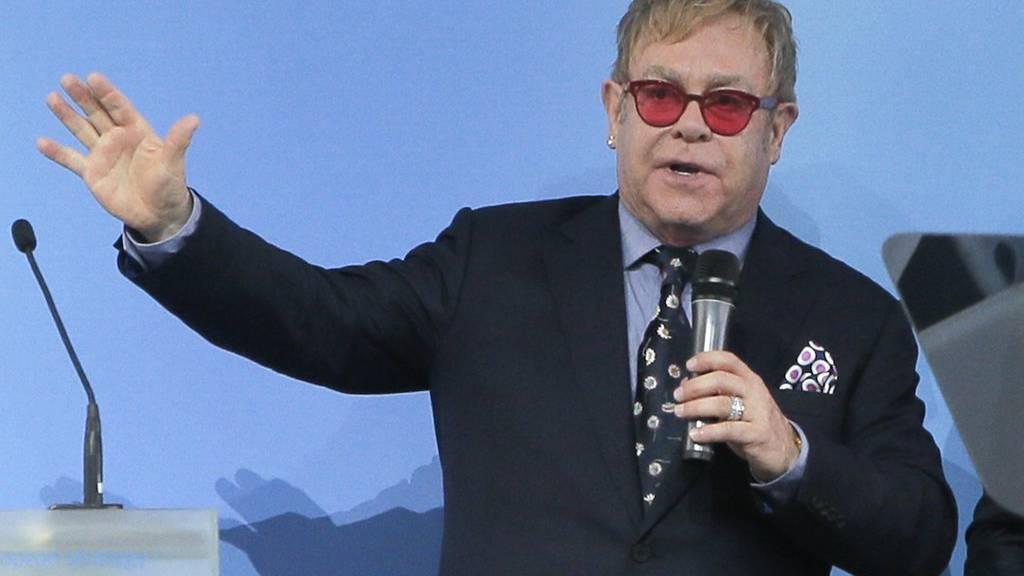 Elton John spricht in Kiew (Ukraine) über Toleranz und Gleichberechtigung