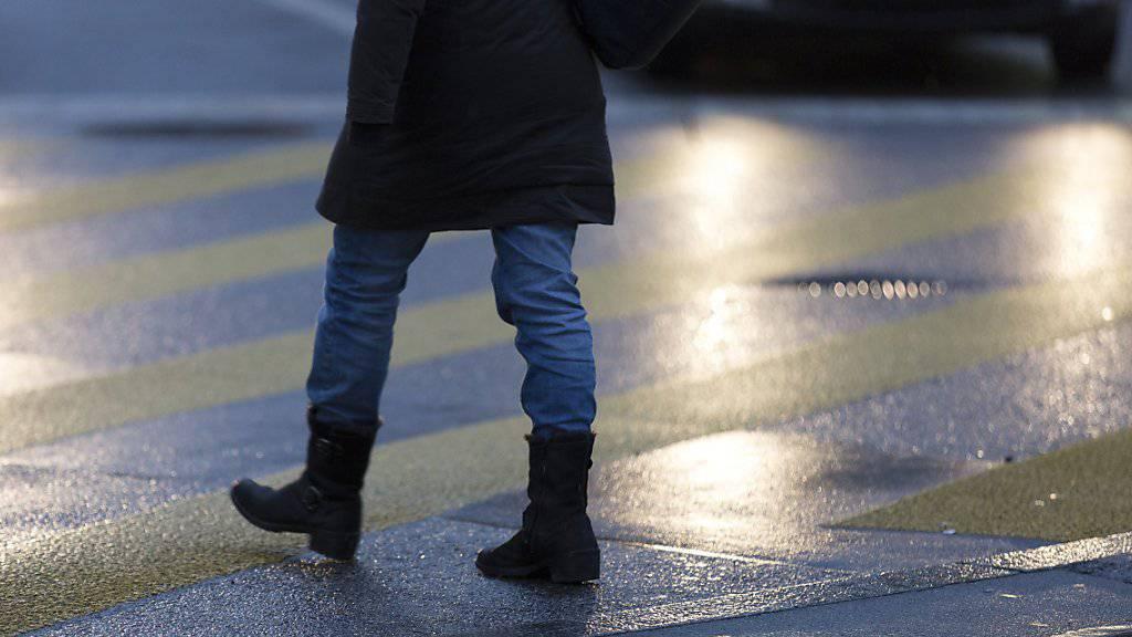 Die verkehrspolitische Organisation «umverkehR» hat acht Schweizer Städte auf ihre Fussgängerfreundlichkeit hin untersucht. Gewonnen hat Zürich vor Basel und Winterthur. (Symbolbild)