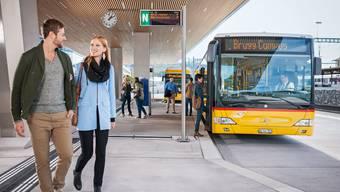 Die Visualisierung zeigt den modernen Busterminal «Bahnhof Campus», der sechs Haltebuchten bietet.