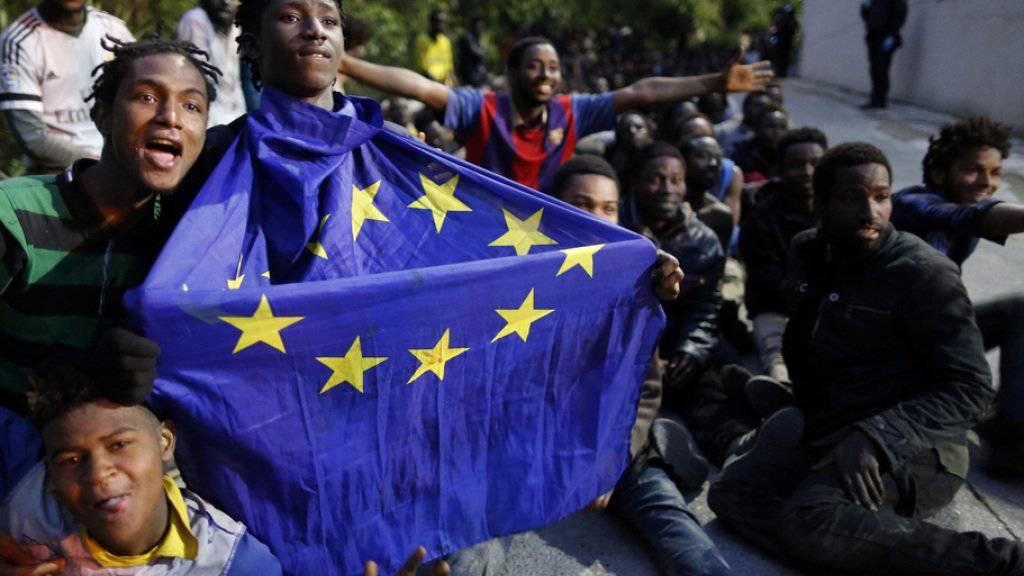 Wieder Massenansturm auf Grenzzaun zur spanischen Exklave Ceuta