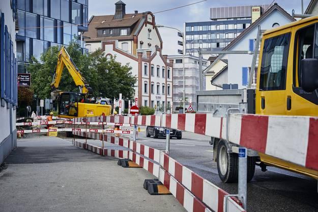 Die Geschäfte und Lokale an der Badener- und Zentralstrasse leiden derzeit besonders an den Auswirkungen der Baustelle.
