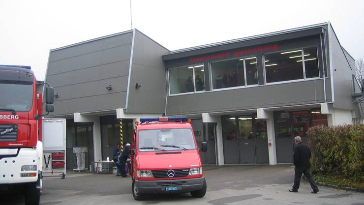 Nun verfügt die Feuerwehr Geissberg über ein modernes, zweckmässig eingerichtetes Magazin mit fünf Achsen für die Fahrzeuge.