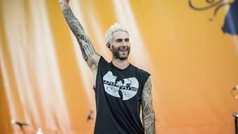 Ihm steht ein Auftritt bei der meistgesehenen TV-Übertragung der USA bevor: Sänger Adam Levine der US-Popgruppe Maroon 5. (Archivbild)