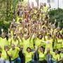 Die 125 Läuferinnen und Läufer des Reussparks in ihren Team-Shirts sind bereit für den Hallwilerseelauf, der am Samstag stattfindet.