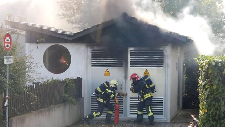 Wegen des Brandes in der Trafostation war der Strom in mehreren Haushalten während mehrerer Stunden unterbrochen.