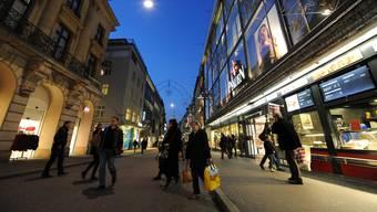 Basels Shopping-Meile, die Freie Strasse.