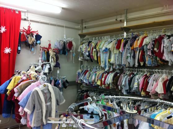 Viele schöne und günstige Kinderkleider