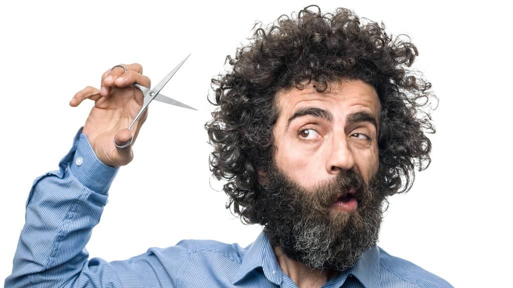 Haare selber schneiden? So geht's – und so nicht