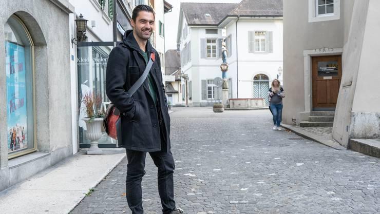 Fabian Bloch, 33, Olten: «Ich finde das daneben, es tut mir leid für die Kinder. Denn am Schluss sind das ganz normale Kinder. Auch wer mit homosexuellen Eltern Probleme hat, sollte das als Chance sehen und für sich das Positive rausnehmen.»