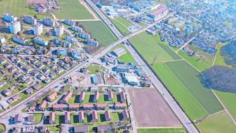 Die SVP möchte, dass die Strasse ins und vom Wynental zwischen Suhr (links) und Gränichen (rechts) mit der A1 verknüpft wird.