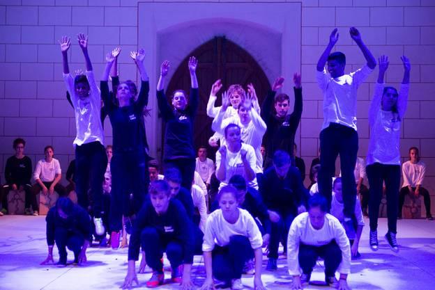 «babel überall»: Impressionen von der Aufführung in der Klosterkirche Königsfelden.